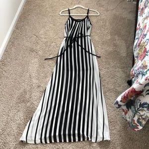 FabriK Maxi Dress